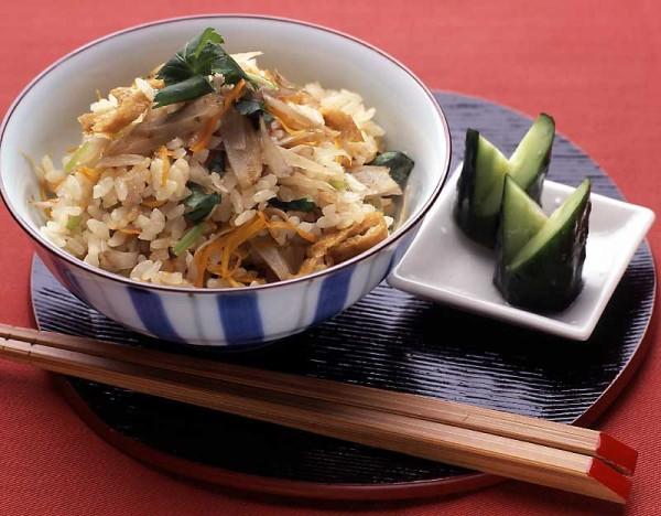 炊き込みご飯のカロリーを抑え、美味しく作る7つのレシピ