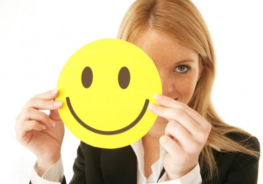 同僚・上司・部下への笑顔が仕事に与える効果とは?