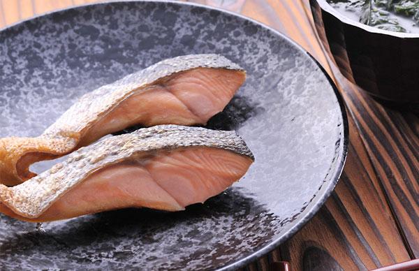 焼き鮭のカロリーが意外にも高くなる7つの理由