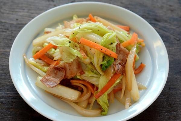 野菜炒めのカロリーを抑えて美肌になれる、美味しいレシピ