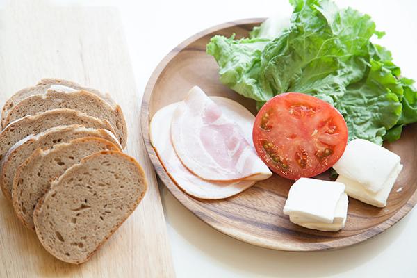 ライ麦パンのカロリーは減量中も安心!美味しく食べる方法