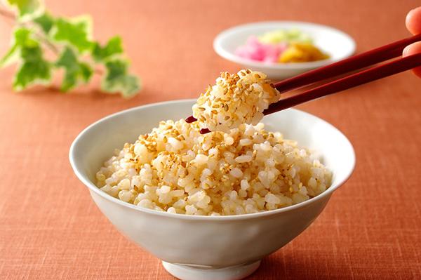 玄米ダイエットでメタボ卒業!体質改善できる7つの方法