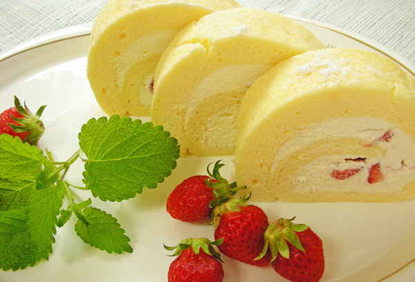 ロールケーキのカロリーは意外と少ない?太らない食べ方