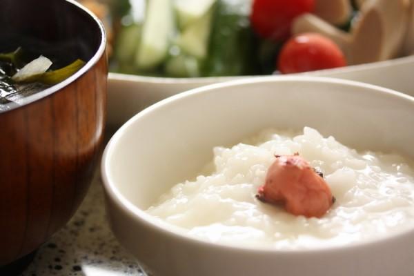 おかゆがダイエットに向いている理由と美味しいレシピ集