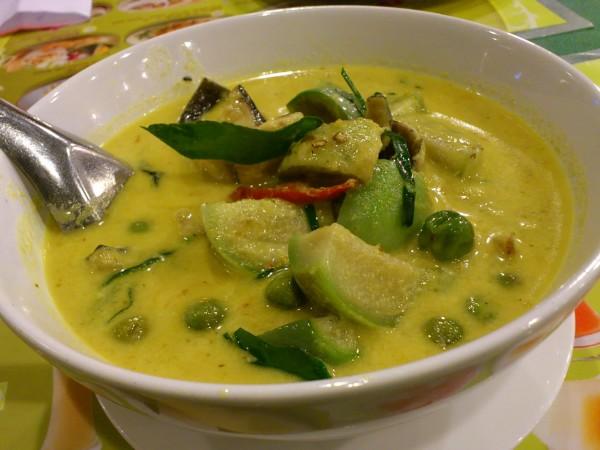 グリーンカレーのカロリーとダイエット中に食べるレシピ集