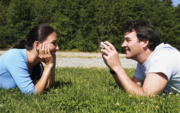 男脳と女脳を知って、恋人との価値観の違いを解決する方法