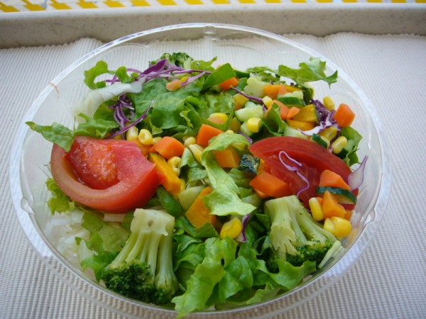 サラダが意外とカロリーが高い5つの理由