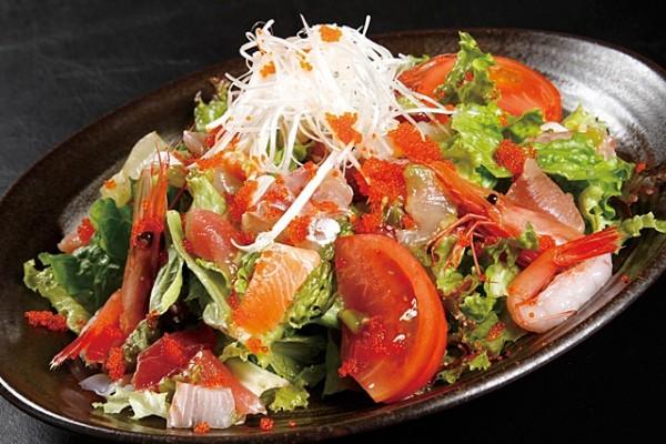サラダのカロリーを抑えて美容に役立てる方法