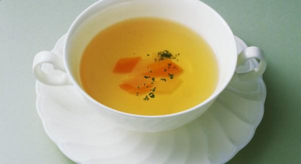 コンソメスープのカロリーを知ってダイエットに取り入れる方法