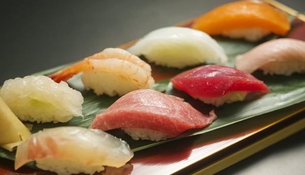 寿司のカロリーを知ってセーブしたい7つの種類