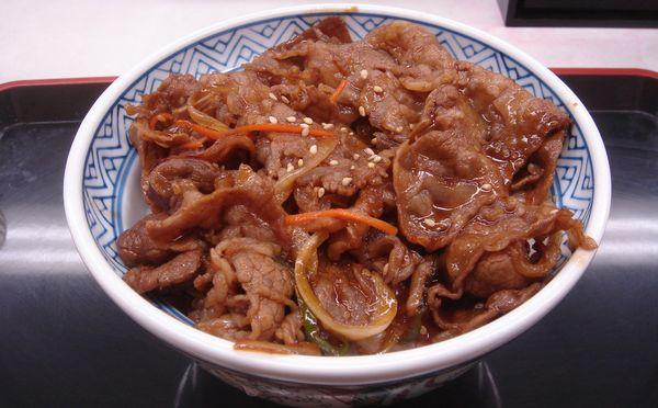 牛丼のカロリーを減らしてダイエットに活用する方法
