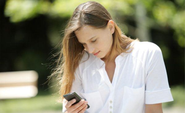 彼氏にメールを送る時にうざい女と思われない5つの法則