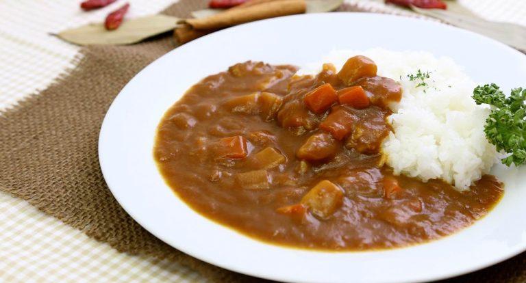 カレーライスの高いカロリーを抑えるレシピ集