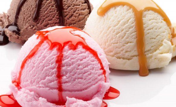 アイスクリームのカロリーを下げて美味しく食べる3レシピ